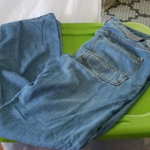 Tommy Bahama  relaxed fit jeans 33/32